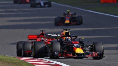 リカルドとフェラーリの話題が加速