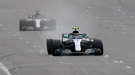 ボッタス、デブリによるタイヤバーストで勝ちを逃がす@F1アゼルバイジャンGP
