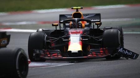 フェルスタッペン、翼端板を壊しながらも快走@F1スペインGP
