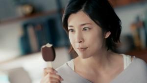 竹内結子 森永乳業 パルム「特別なチョコレート」篇CM0008