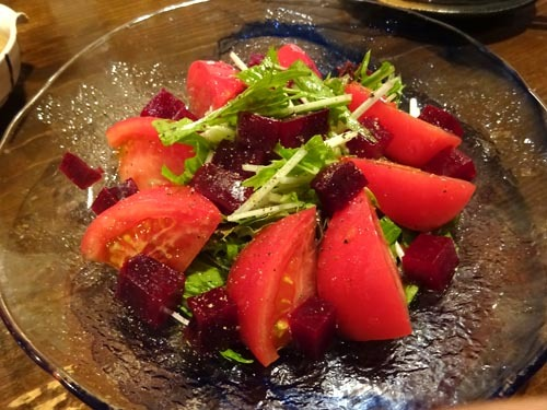 46水菜とビーツとトマトのサラダ