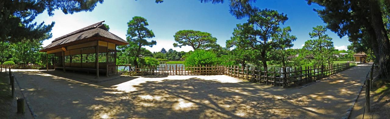 20180731 後楽園今日の園内観光定番位置の様子を松林側から眺めたワイド風景 (1)