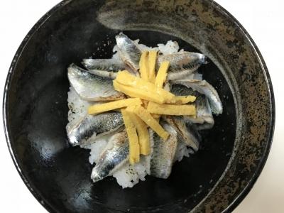 炙りシメサバ丼