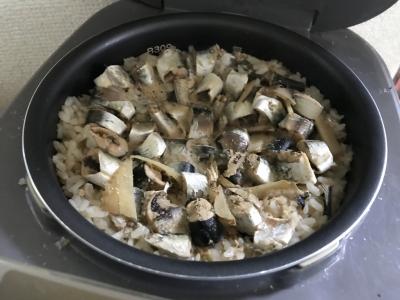 サバの味噌煮の炊き込みご飯