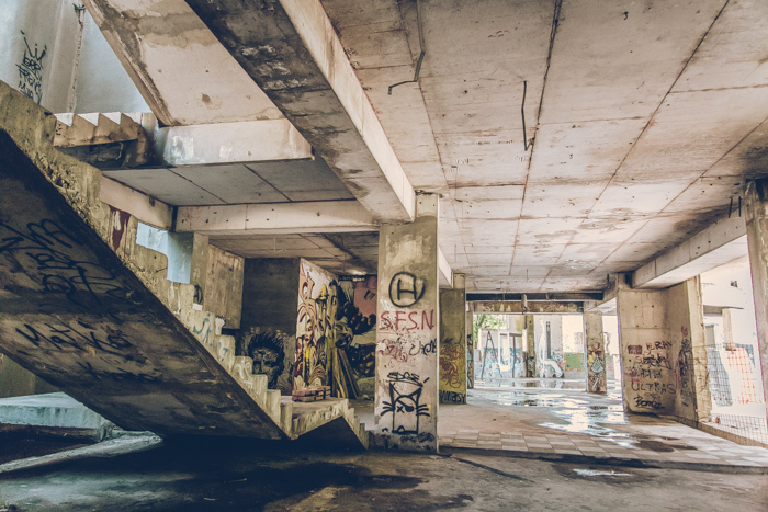 20180630_abandoned_mostar_building_15.jpg