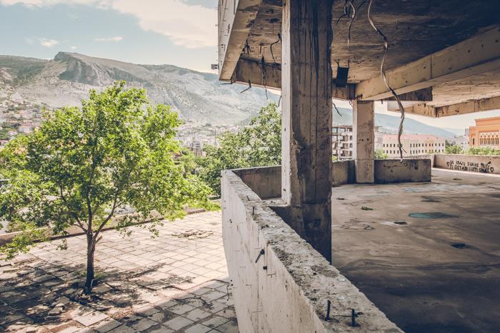 20180630_abandoned_mostar_building_17.jpg