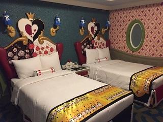 ディズニーランドホテルアリスキャラクタールーム