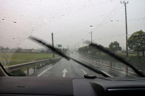雨とワイパー