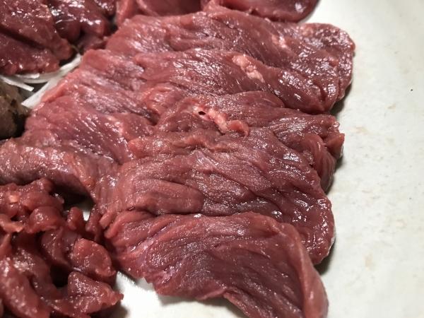 業務スーパー 千興ファーム食肉センター 馬刺し、馬肉食べ比べ (25)