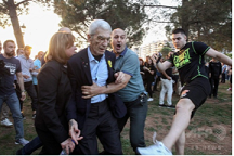 20180522ギリシャ市長極右に襲われる