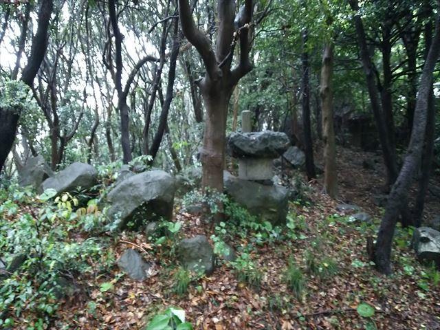 景石神社 1_R