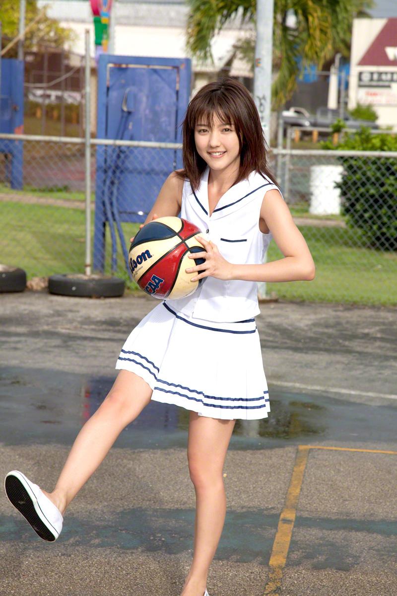 真野恵里菜 バスケットボール