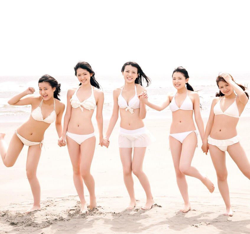 ℃-ute 白のビキニ スカート付き 矢島舞美 手をつなぐ