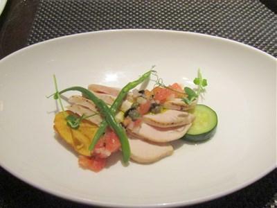 s-鶏胸肉のグリル 黒オリーブ ケッパー トマト バジル