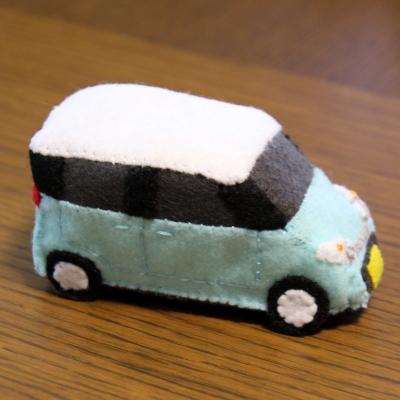 フェルトの車のおもちゃ2