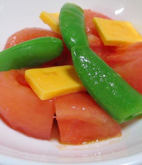トマトとチェダーチーズ B