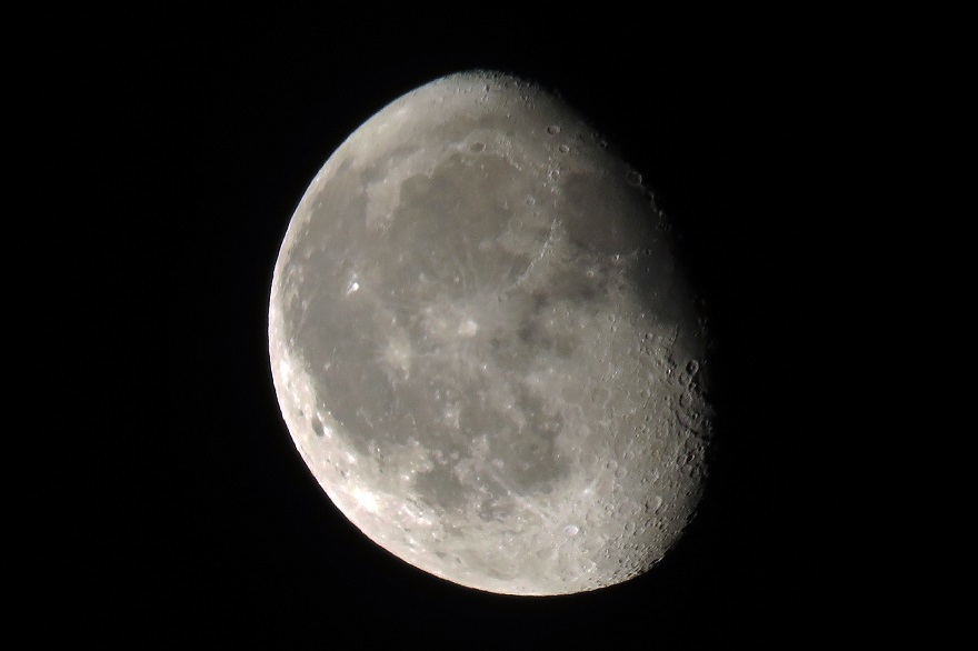 8月の月 (0)