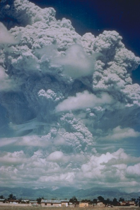 eruption_of_mount_pinatubo,_june_12,_1991 (1)