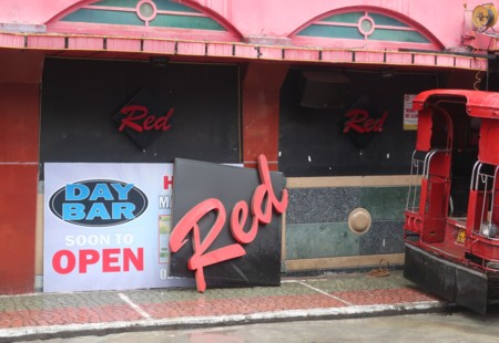 red day bar open (7)