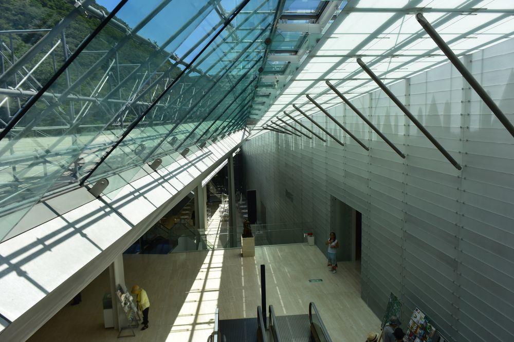ガラスの美術館-2
