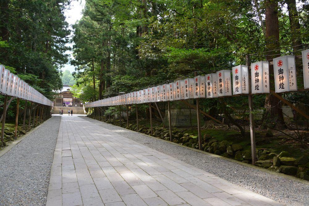 神社の祭り-2