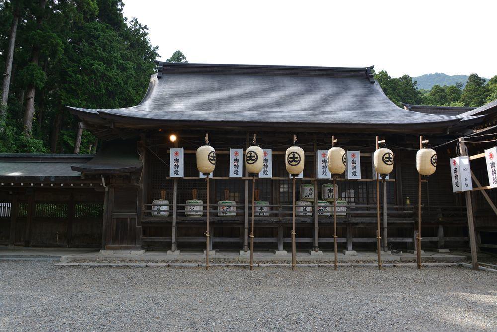 神社の祭り-3
