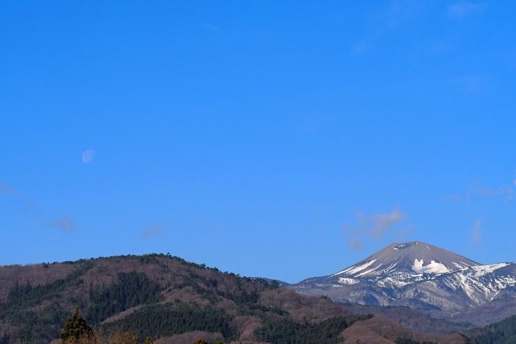 月と小富士