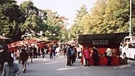 大神神社門前の賑わい3
