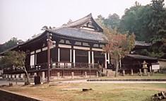 東大寺三月堂前面
