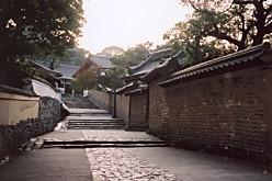 東大寺二月堂への道