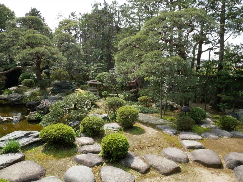 自慢の庭園_3