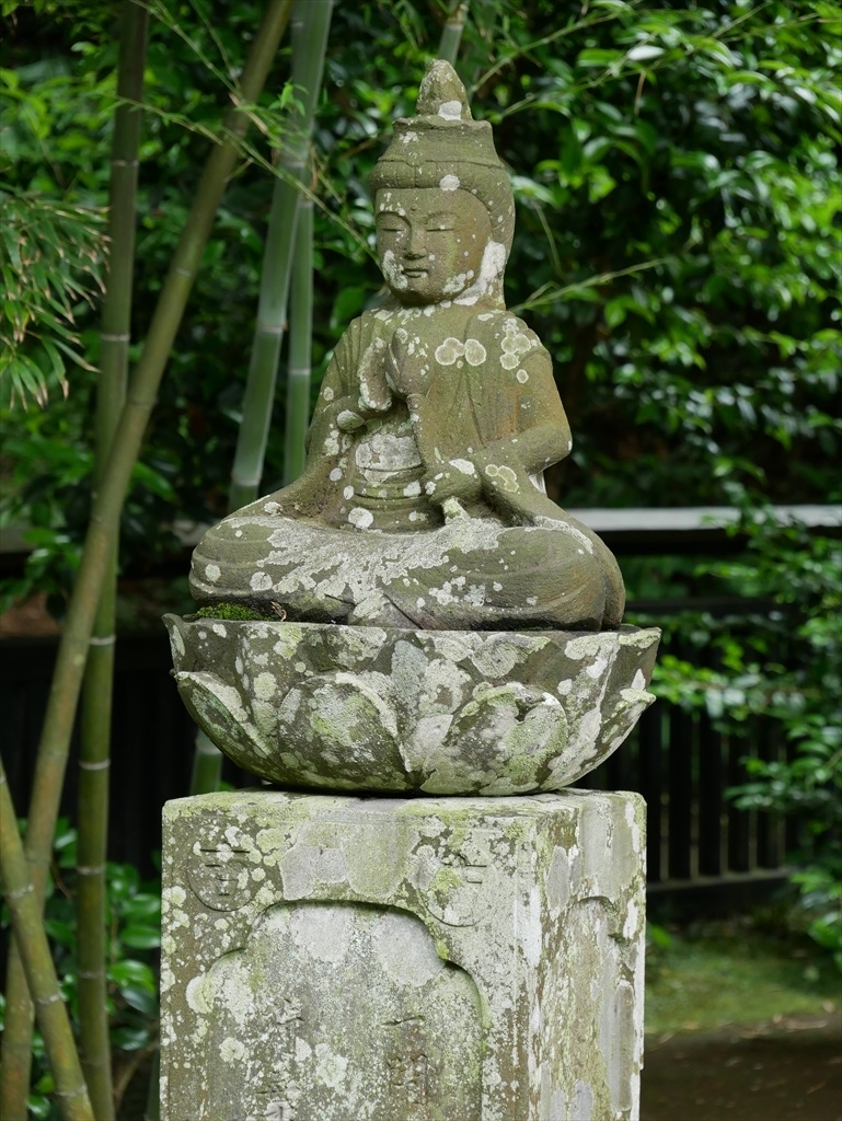 小さな石像ほか_1