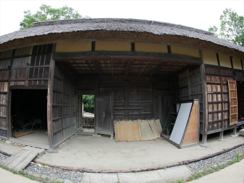 旧谷岡家住宅表門_敷地外部から見た様子_3