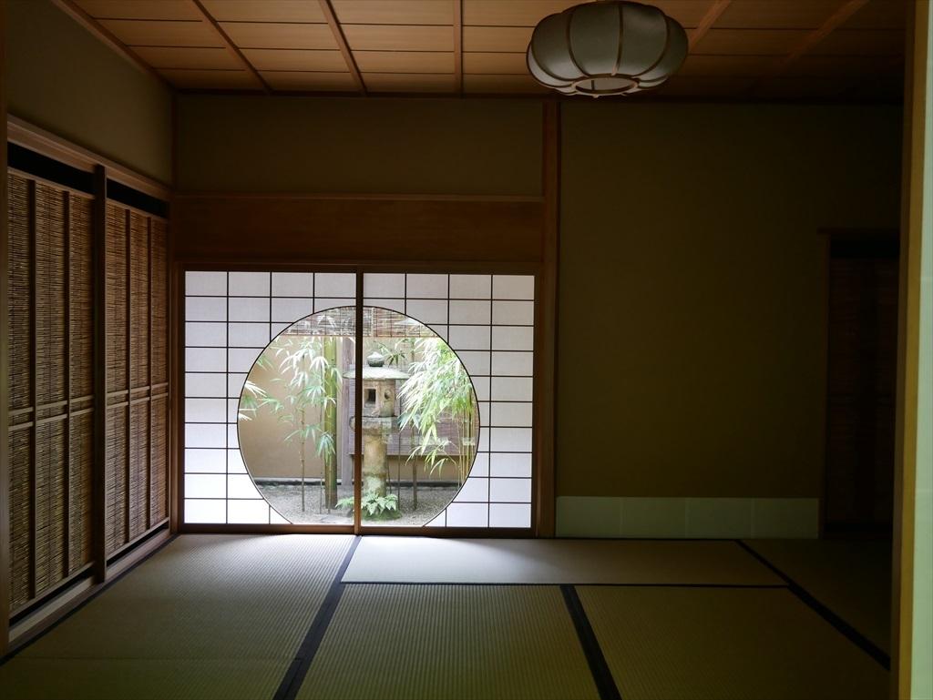 茶席『時雨』の円窓_1