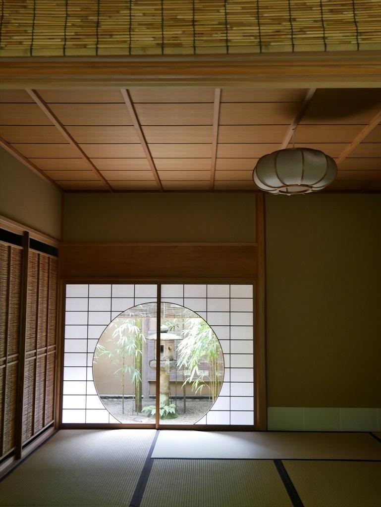 茶席『時雨』の円窓_2