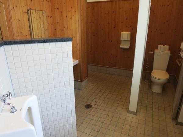 古山貯水池自然公園オートキャンプ場 トイレ