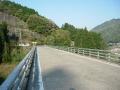 180421大河原大橋で木津川を渡り、突き当りを右折