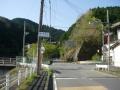 180421布目ダム周回路南端の信号を右折