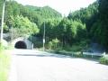 180602新鹿路トンネル脇の旧道を上っていく