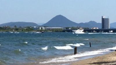 雨後の強風で大荒れの琵琶湖北湖(YouTubeムービー)