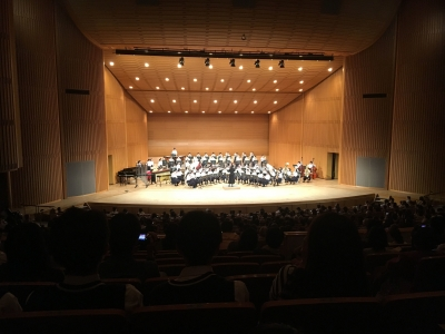 私立草津南中学の演奏。総勢100人以上の6管編成、クラリネットだけでも12人の大迫力