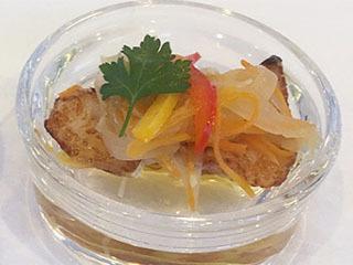 湖魚(バス)のエスカベッシュ スパイス風味