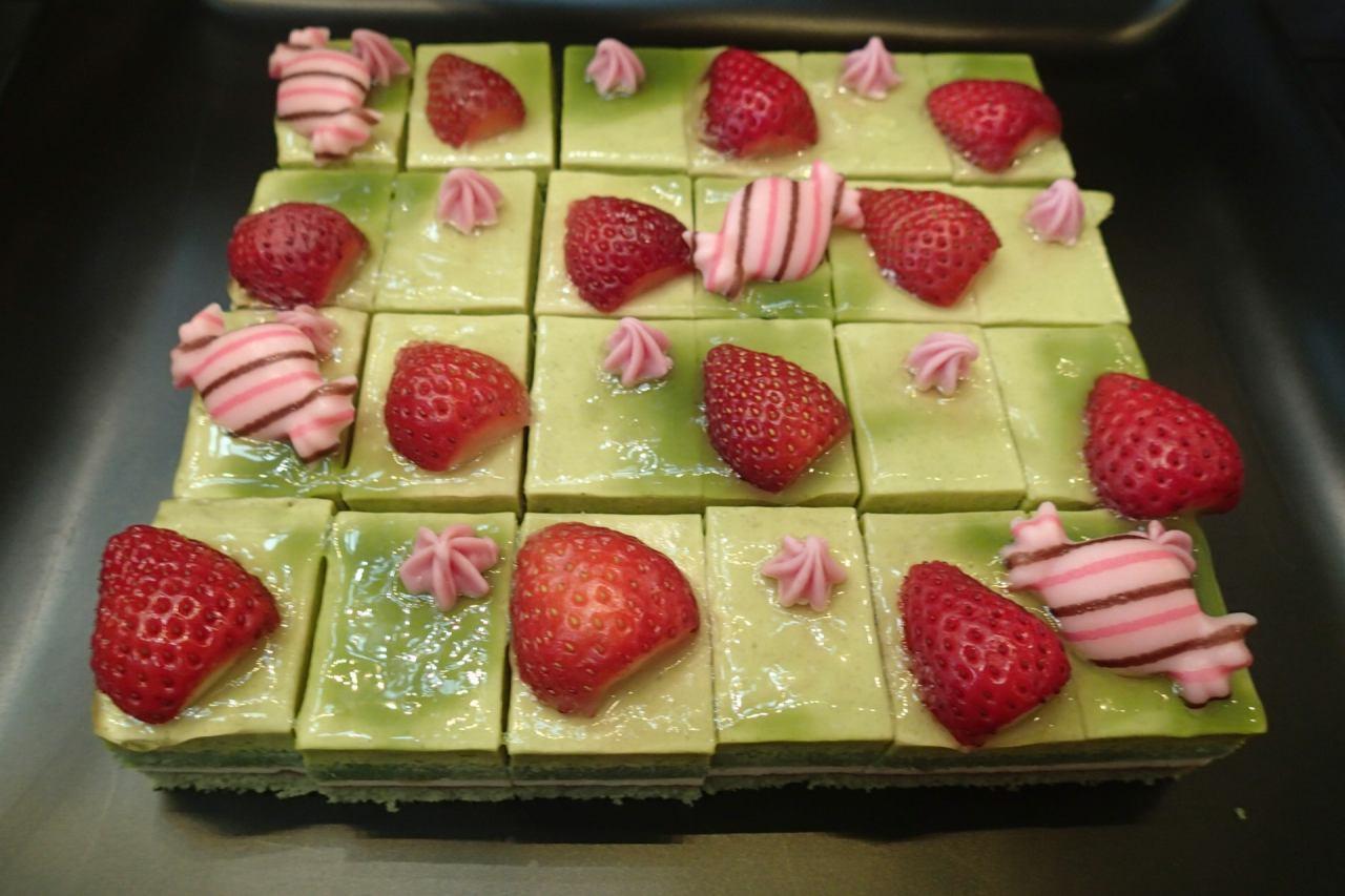 ピスタチオのケーキs-20190303P3030065