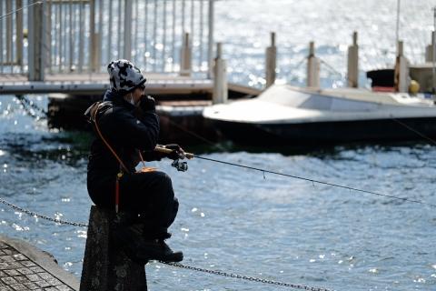 02芦ノ湖の釣り人
