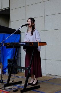 13JR日暮里駅イベント歌手