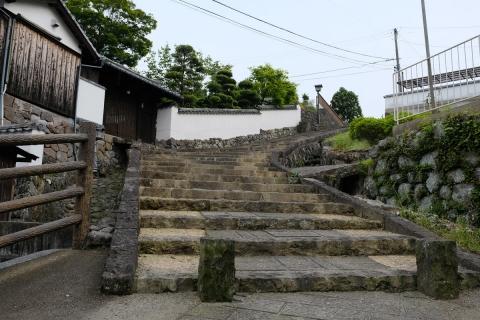 22杵築城下町飴や(雨夜坂)