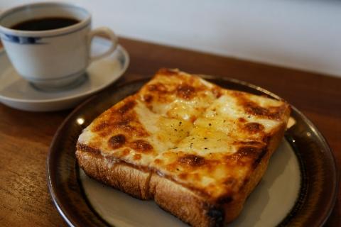 01チーズトースト