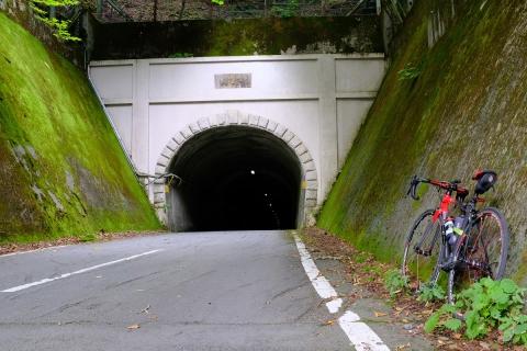 10御坂トンネル甲府側