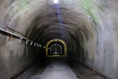 11御坂トンネル内部