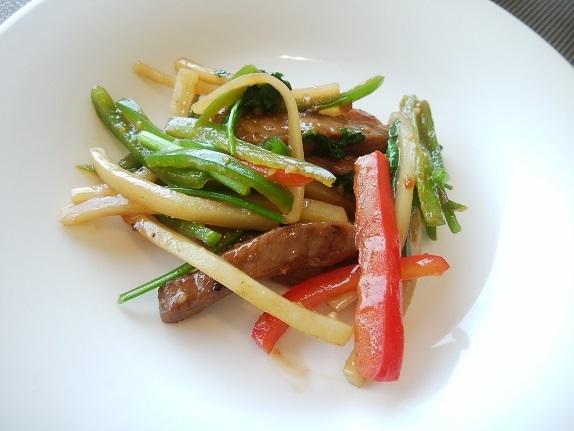 琥珀宮 牛肉炒め (2)